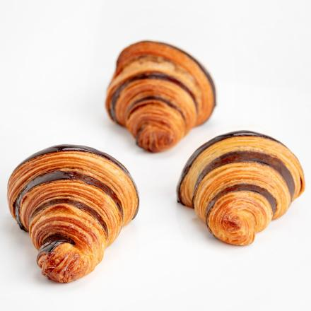 Bicolor croissant with chocolate