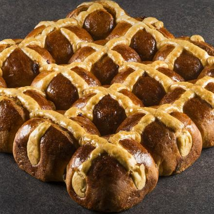 Something special for Easter: The Hot Cross Buns by Corman