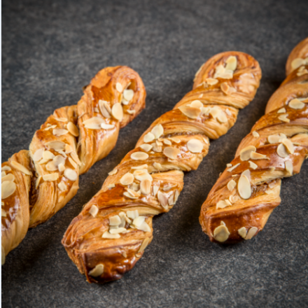 PRALINE TWISTS